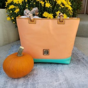 Dooney & Bourke Lee Tote apricot/jade